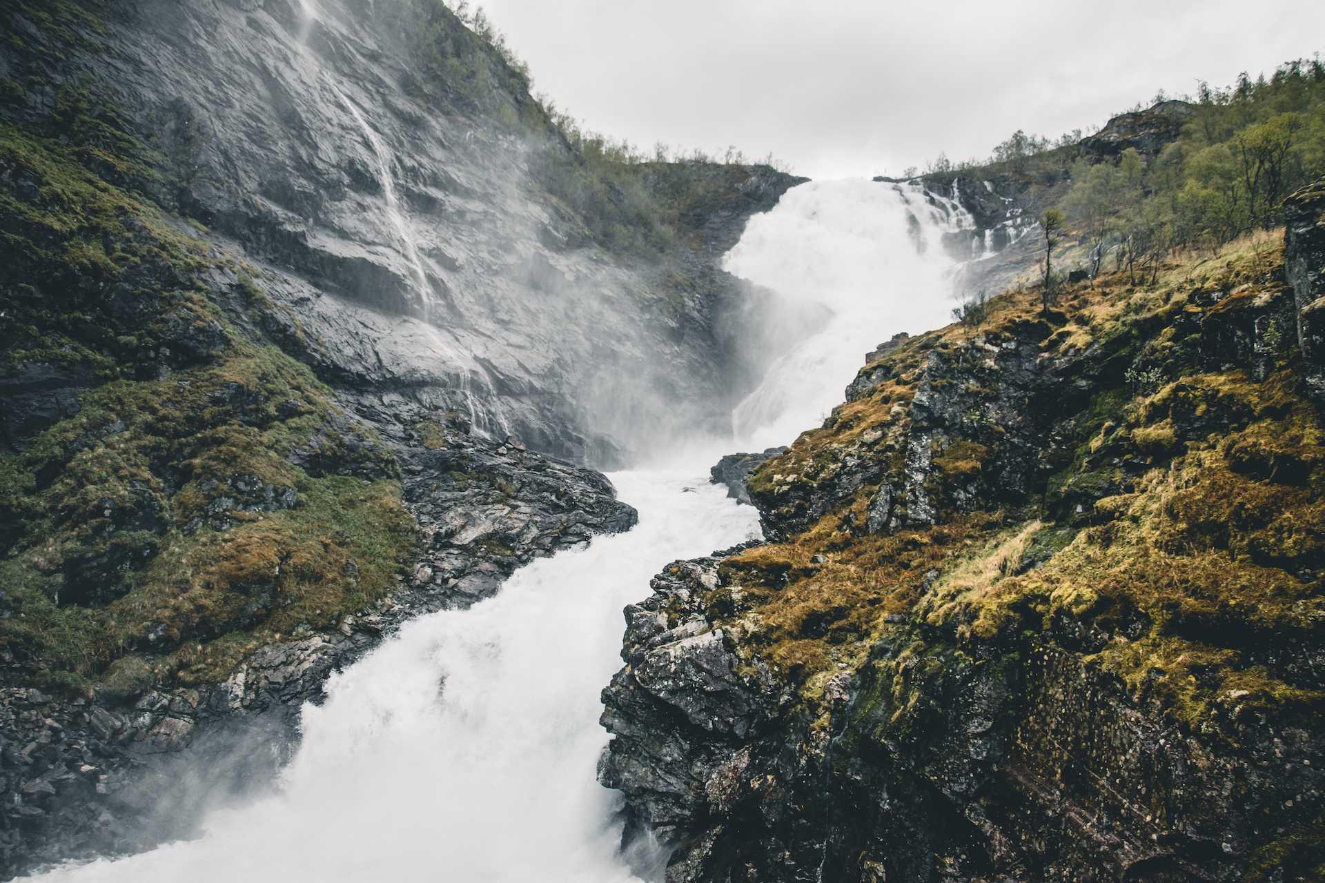 wodospad Kjosfossen