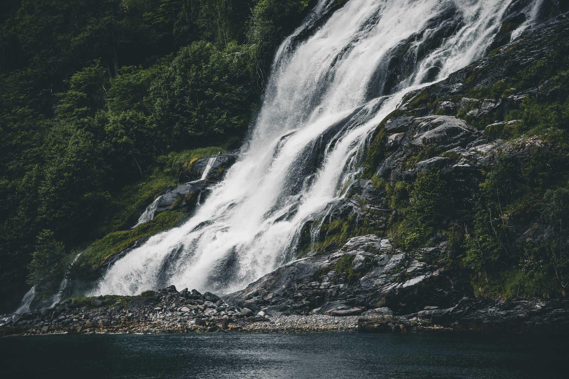 wodospady Geiranger