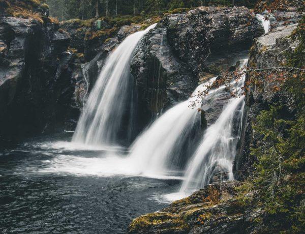 wodospad Rjukandefossen