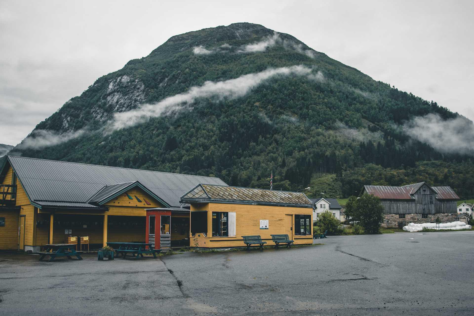 Fjærland norweskie miasto książek