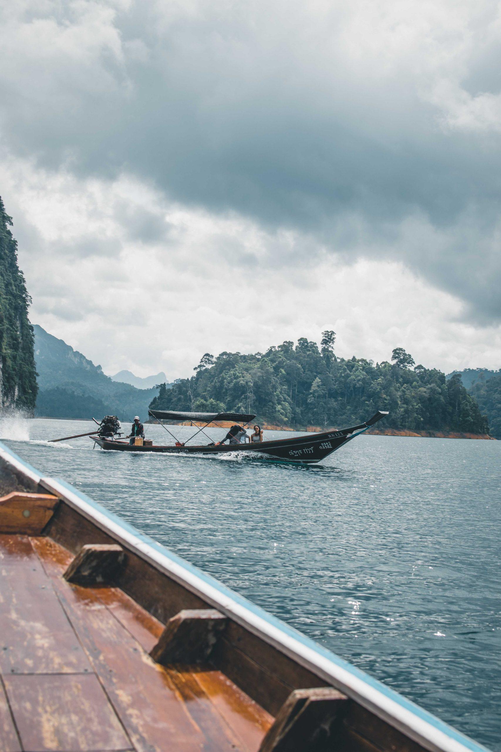 Rejs pojeziorze Chiaw Lan